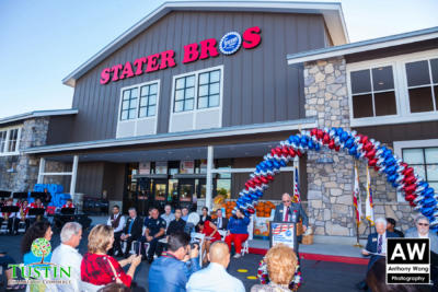 171025 Stater Bros Ribbon Cutting 0015