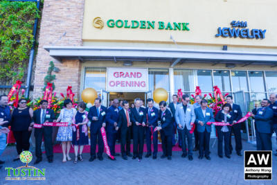 171026 Golden Bank Ribbon Cutting 0043