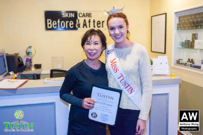 171115 Before and After Skin Care Ribbon Cutting 0041